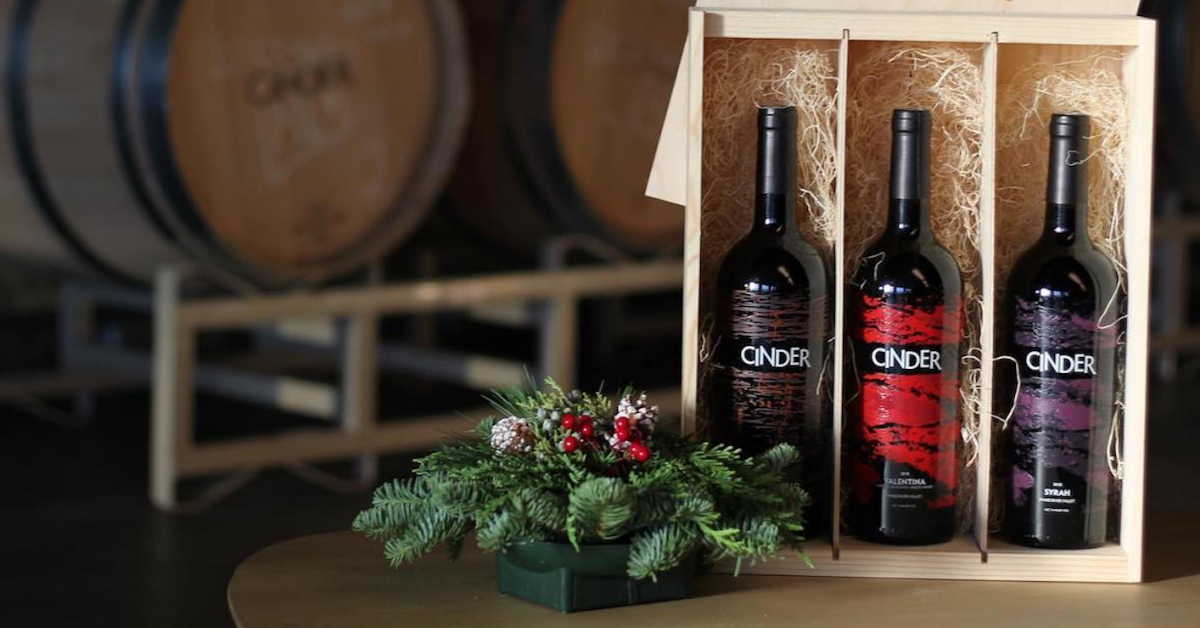 wine-box-holiday-gift-set-cinderwines